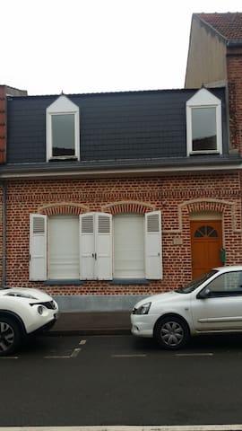 Maison 2 chambres ARRAS - Saint-Nicolas - Huis