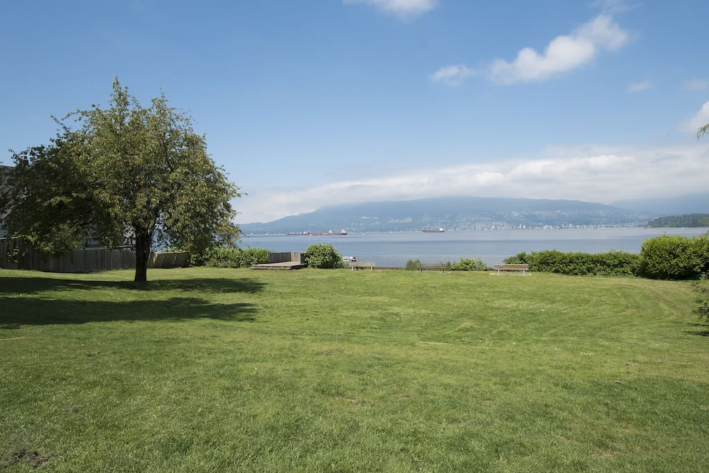 Point Grey Road Park