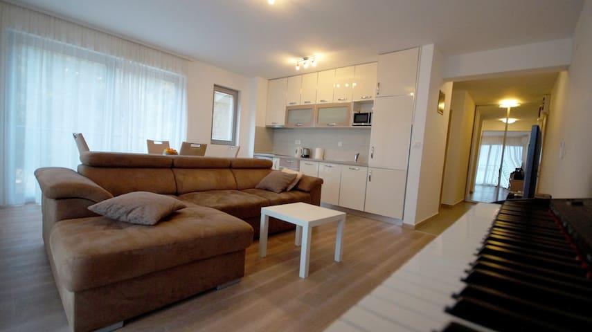 Luxuary apartment Pržno (with sea view)