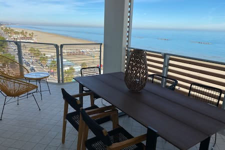 Your TERRACE Beachfront 35 sqm-Wifi-Gas-Bbq