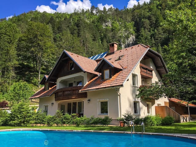 Vila Edelweiss rooms& apartments Kranjska Gora - Gozd Martuljek - Huoneisto