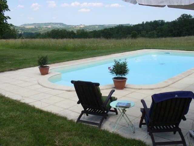 Gite with magnificant view and pool - Saint-Georges - House