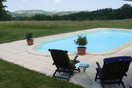 Gite with magnificant view and pool - Saint-Georges - Hus