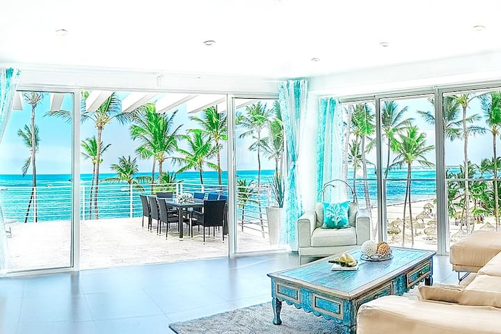 All rooms of the apartment are very bright and full of sunlight and ocean salty air. Unique vacation experience and vivid lifetime emotions are guaranteed!