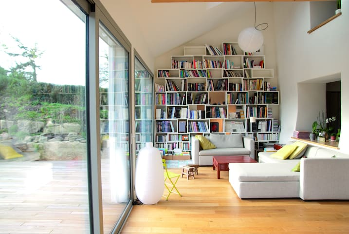 Elegant Manor Guest House Bretagne - La Roche-Derrien - Casa