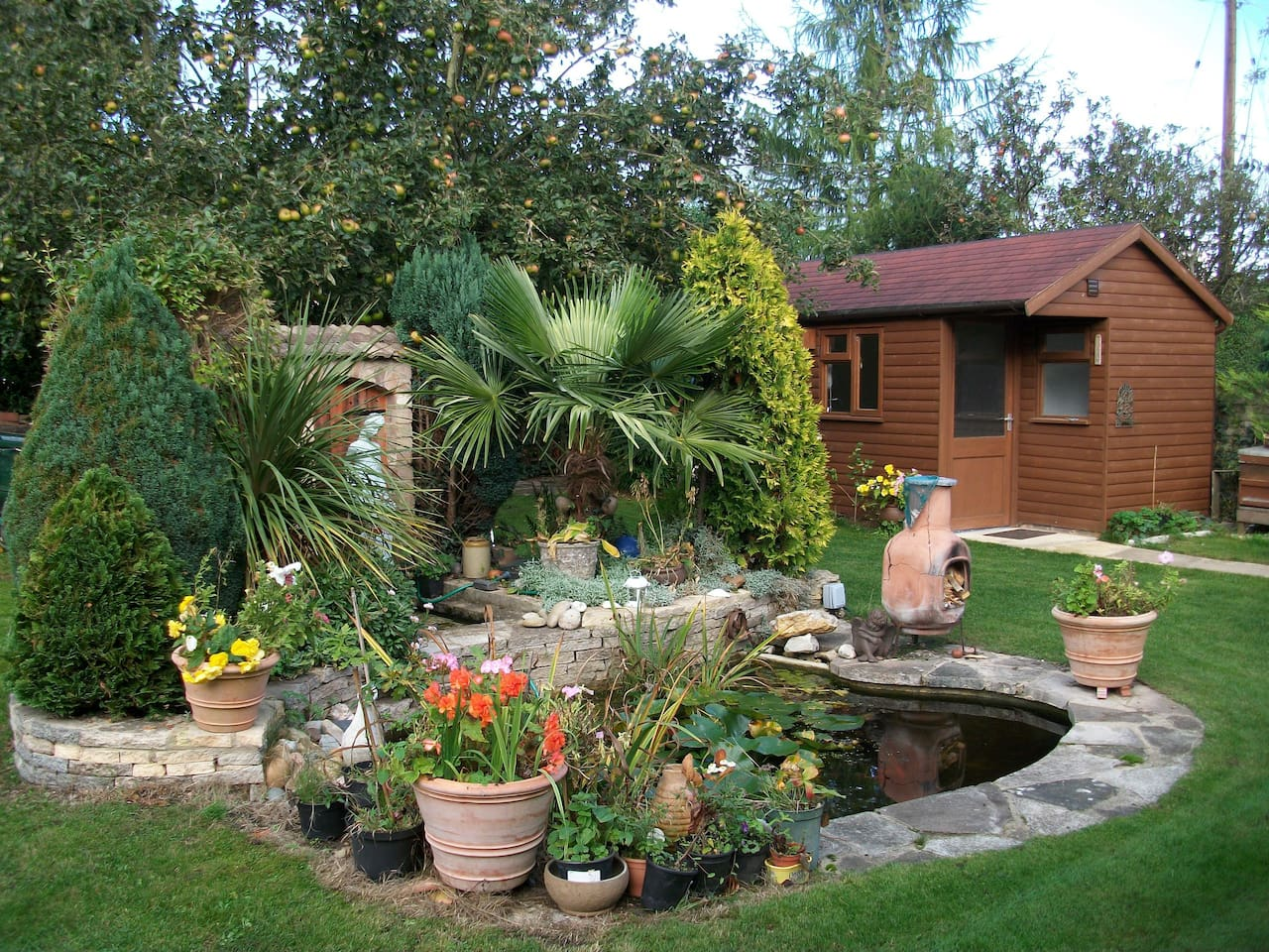 The chalet is in a picturesque Cotswold garden, which you are welcome to enjoy!