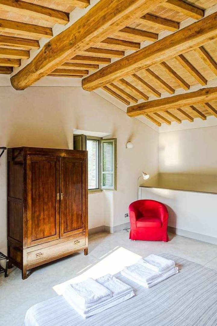 Le Ciliegie: stunning big apartment in the peaceful umbrian hill with pool