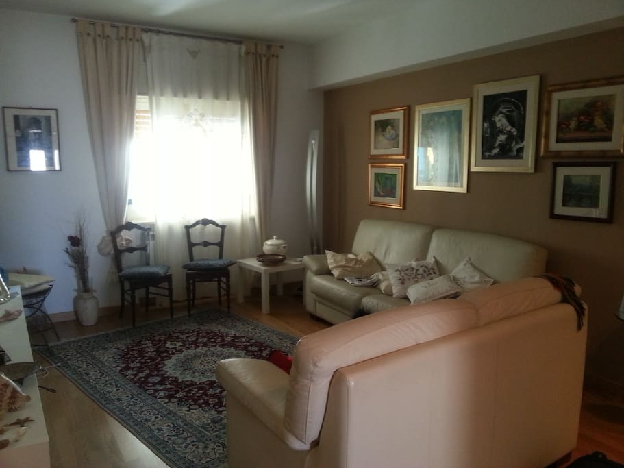 Affittasi camere doppie in sicily bed breakfast in for Camere affitto barcellona