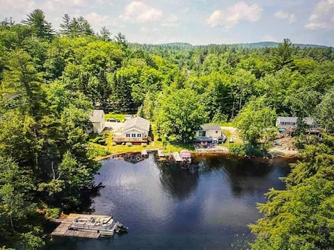Waterfront house with Fire Pit, WiFi, lake access!