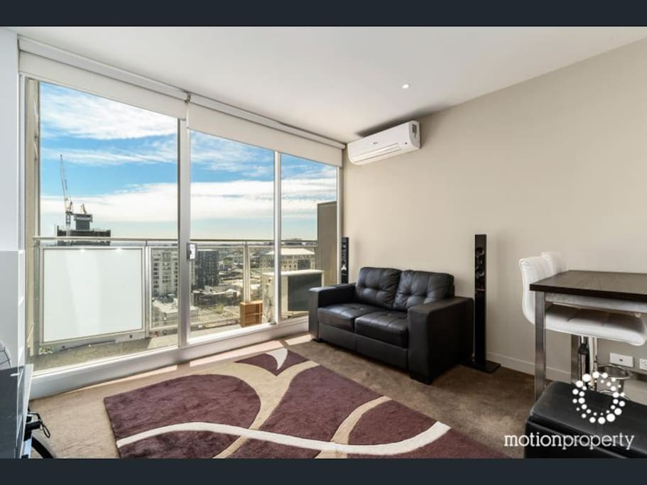 one bedroom cbd apartment with pool gym sauna flats for rent in
