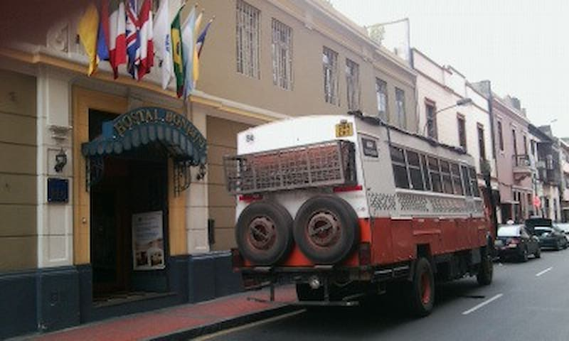 hostal bonbini - Lima - House