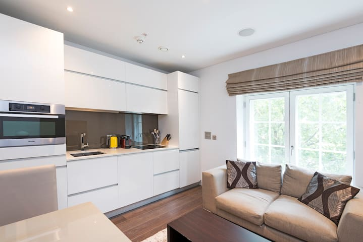 -20% Luxury 1BR like 5*hotel on the Strand