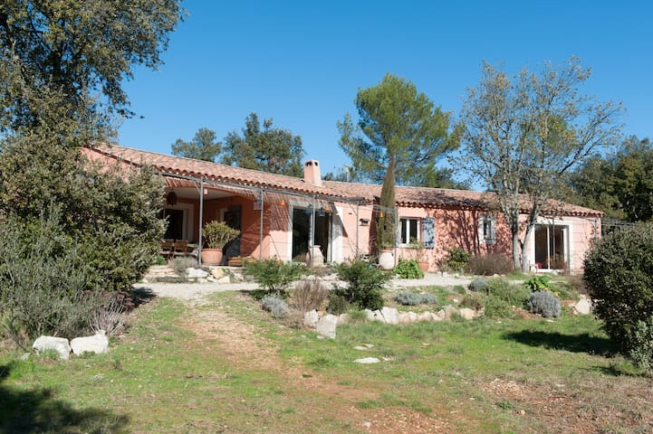 Stunning villa, heart of Provence - Correns - House