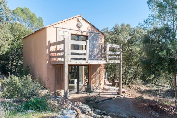 Maison au fond des bois