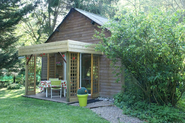 Lovely Holiday Home in Le Ponchel with Garden & Pond