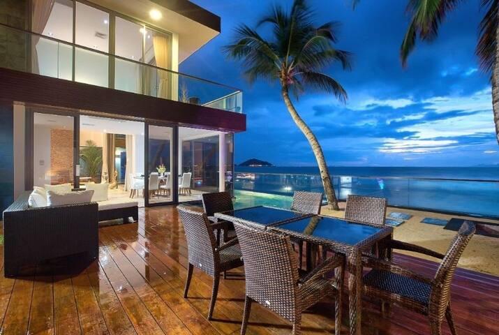 Nadia Deluxe Beachfront - Villa Koh Samui