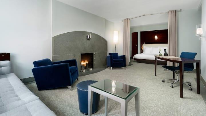 Midtown Manhattan Private Alcove Suite