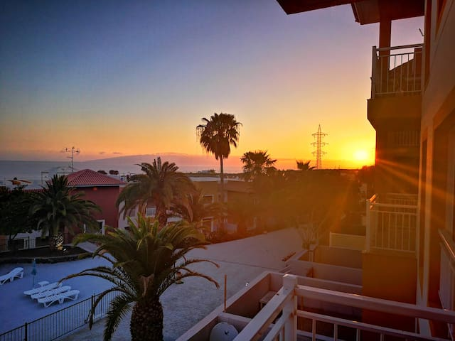 Sunsets, Coffee and Ocean Views in Callao Salvaje