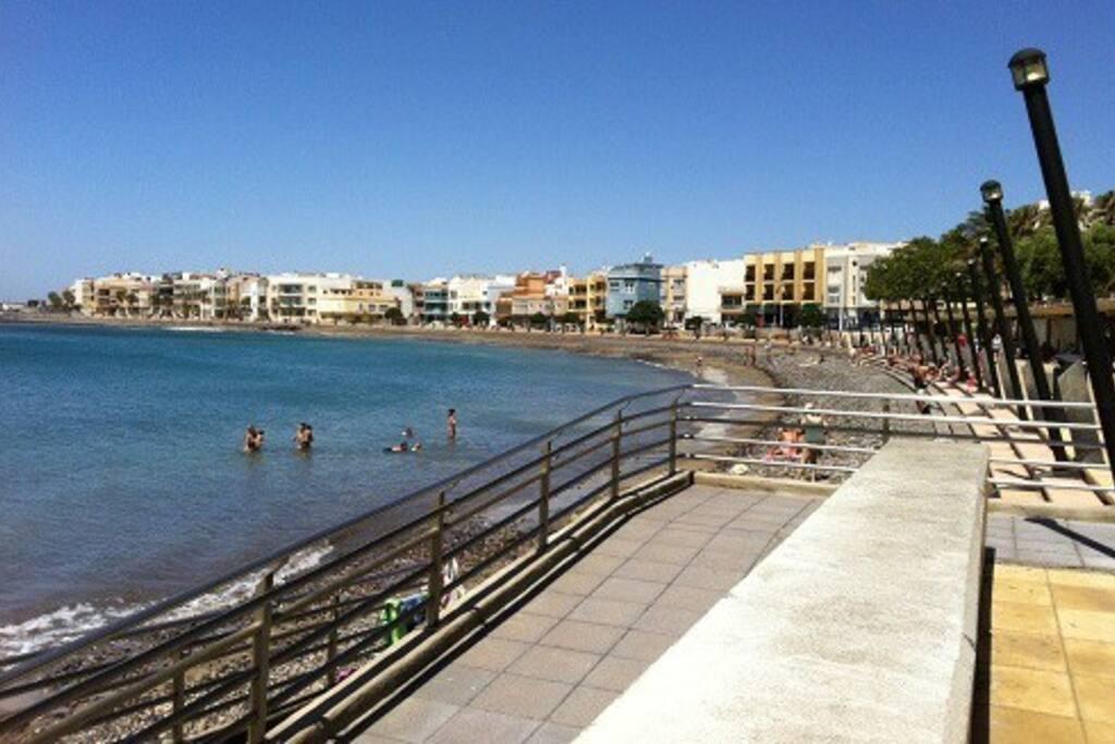 Playa de arinaga wifi apartamentos en alquiler en for Alquiler piso playa arinaga