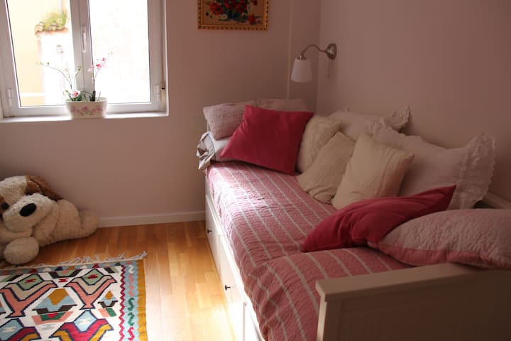 beautiful room in city center