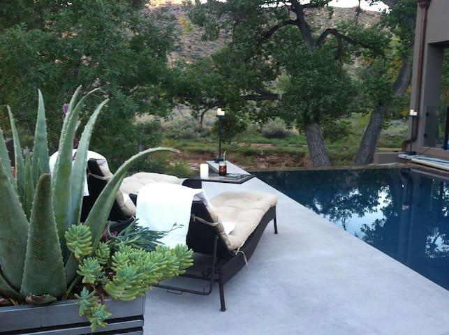 Zion Riverside Infinity edge pool - springdale - Дом