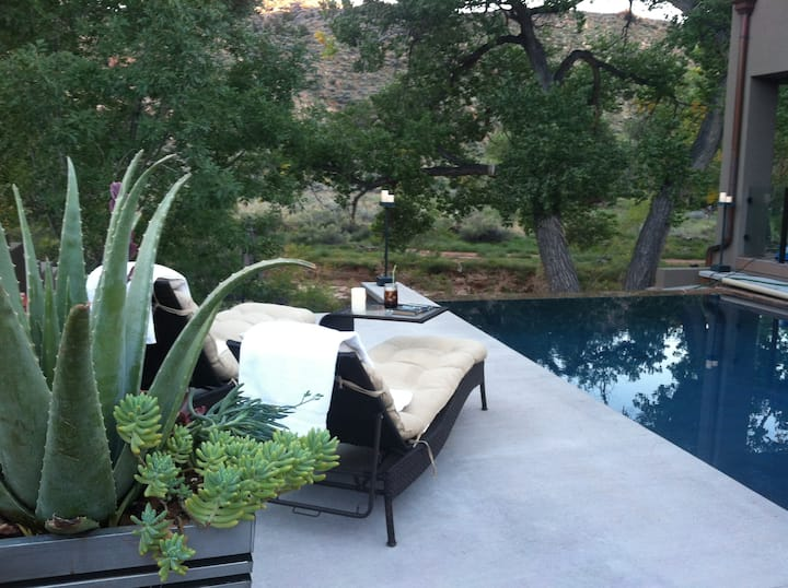 Zion Riverside Infinity edge pool