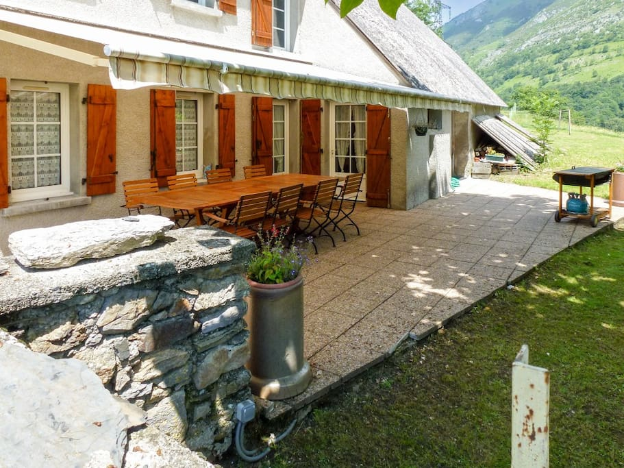 Comfortable House W Mountain Views Houses For Rent In
