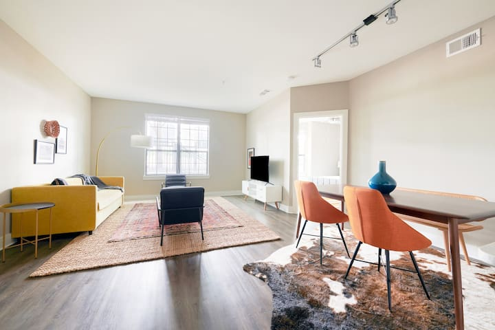 Sonder | East Eleventh | Premier 1BR + Pool