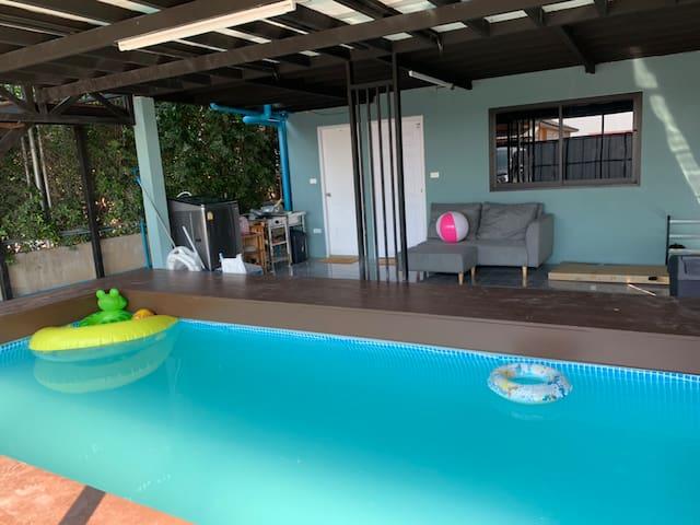 Ladkrabang Pool Villa
