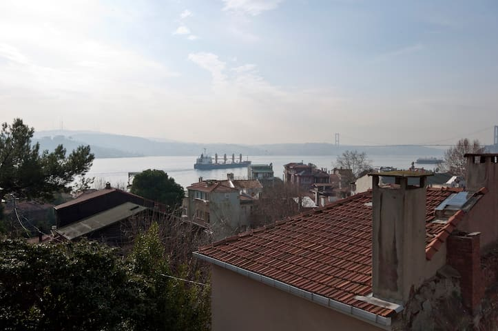 Private room w great Bosphorus view