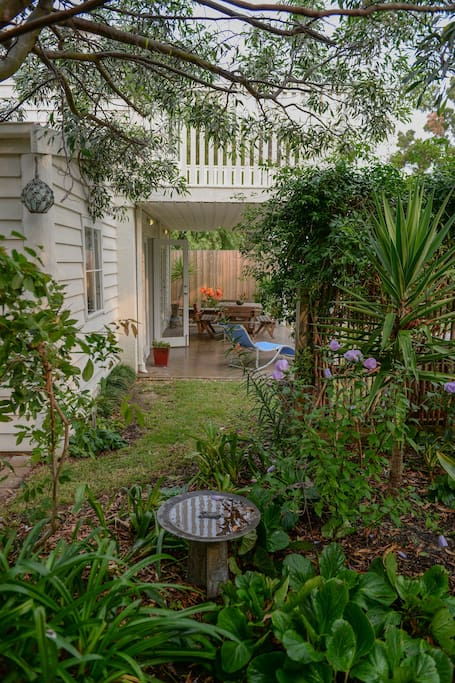 Bright Beachside Oasis in the Heart of Torquay