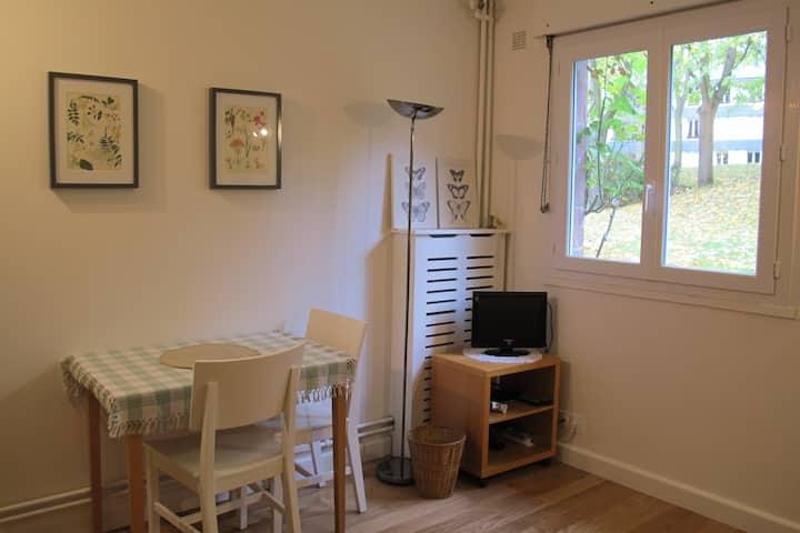 Studio calme à Louveciennes 30' de La Défense.
