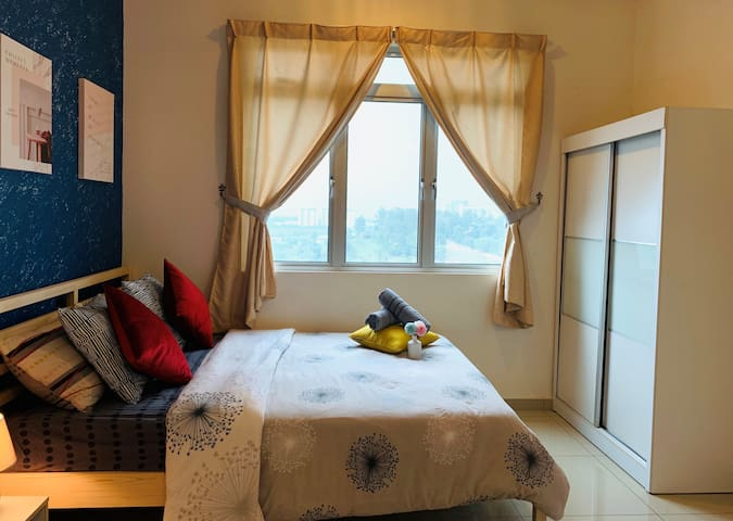 Comfortable and spacious Master Bedroom with attached bathroom and stunning Horizon Hills Green View.