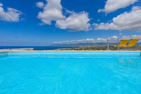 Villa Clara,Fantastic Sea Views