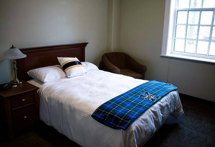 Backpacker College @ St. Francis Xavier University - Private Double Room