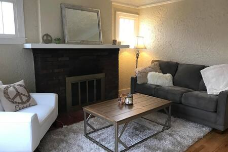Super Comfortable 1 bedroom Apartment in Royal Oak - Royal Oak - Leilighet