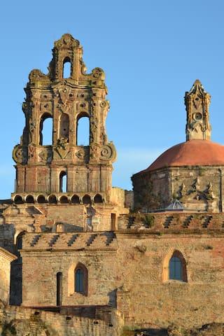 MONASTERY GUESTHOUSE ( 16 guests) - Cazalla de la Sierra, Sevilla - Castle