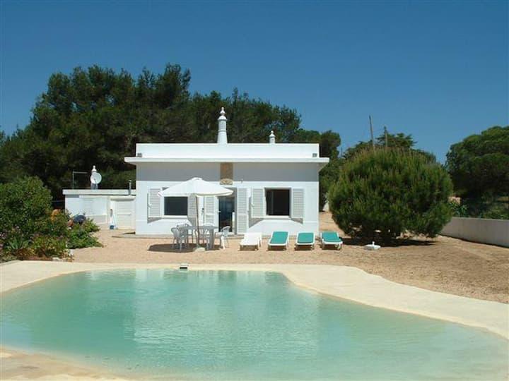 """Casa de férias """"Casa da Guarda- Nature Lovers"""" com vista para o mar, Terraço, Piscina e WiFi; Estacionamento disponível"""