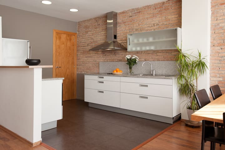 Kitchen opened on the living-room