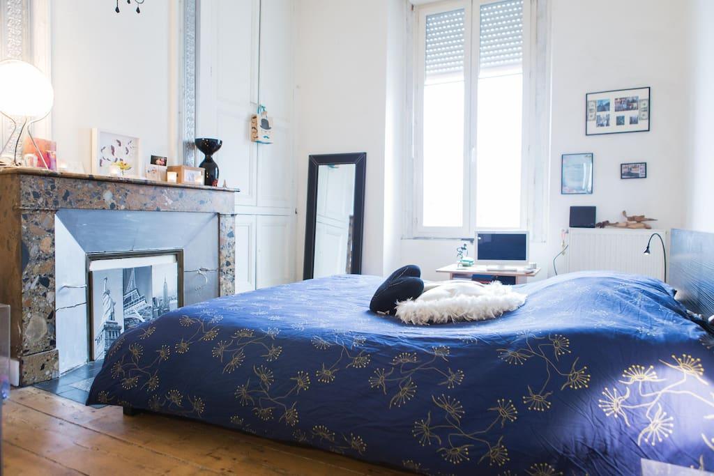 Chambre spacieuse centre ville appartements louer for Bordeaux une chambre en ville