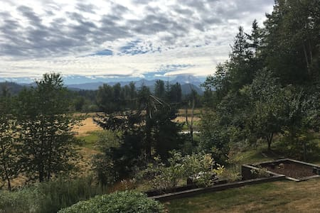 Hill House Retreat - Enumclaw - Talo