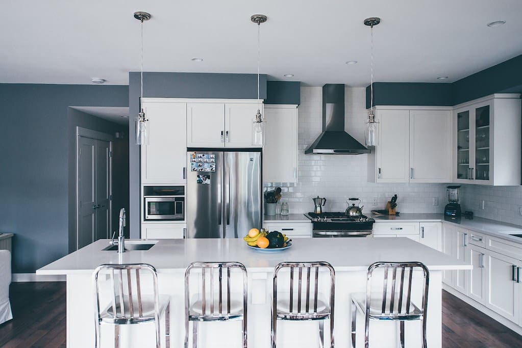 This kitchen is a cook's dream. Gas stove & tonnes of counterspace.
