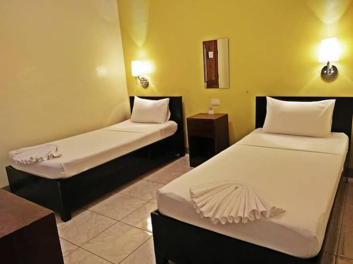 Coron Vista Lodge - Standard 2 single bed