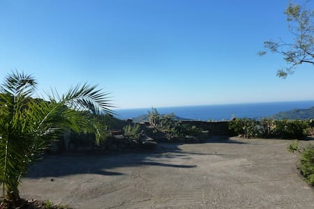 Apt. Villa with wonderfull sea view