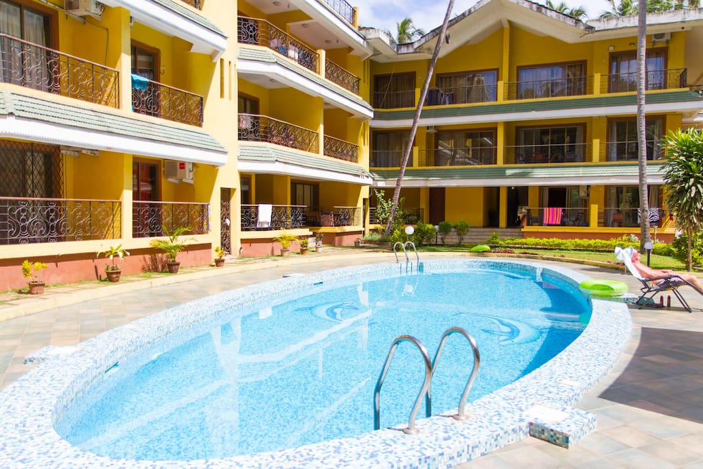 Nestled in a peaceful Arpora hamlet, Baga, it is off the street, surrounded by banyan,mango,palm trees & a serene pool