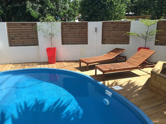 BOURBON HOUSE - New villa with garden and pool