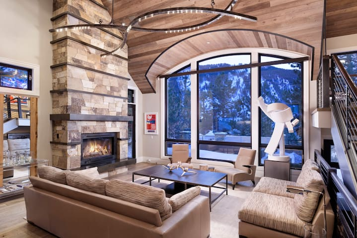 $ 12 Million Aspen Residence | Close to Town