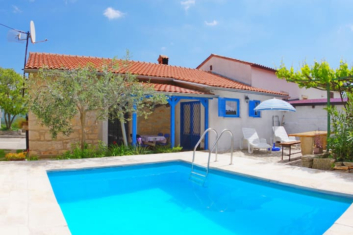Holiday house in Rakalj with private pool