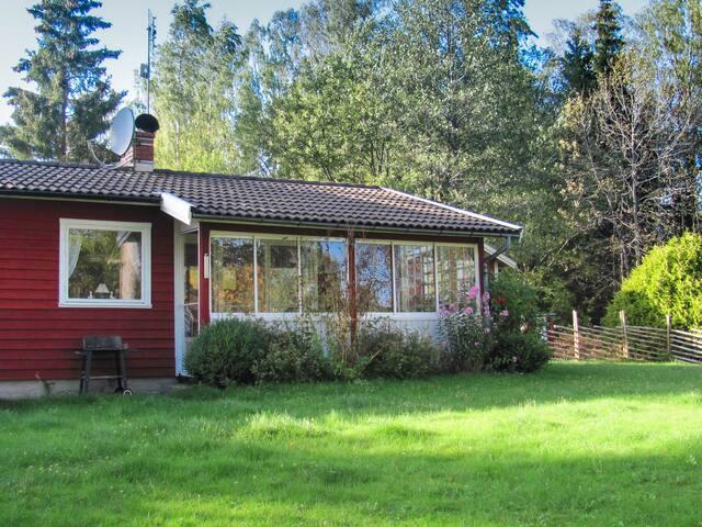 Komfortables Ferienhaus am See - Svenljunga Ö - บ้าน