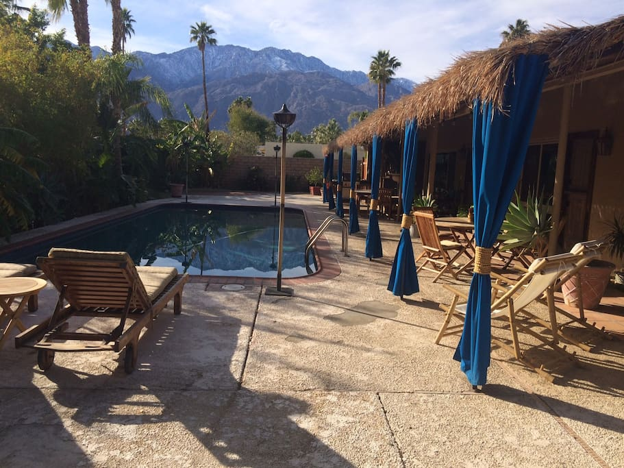 Relax, swim, work a tan, enjoy Desert paradise! Fabulous westerly views of the Tahquitz mountains.